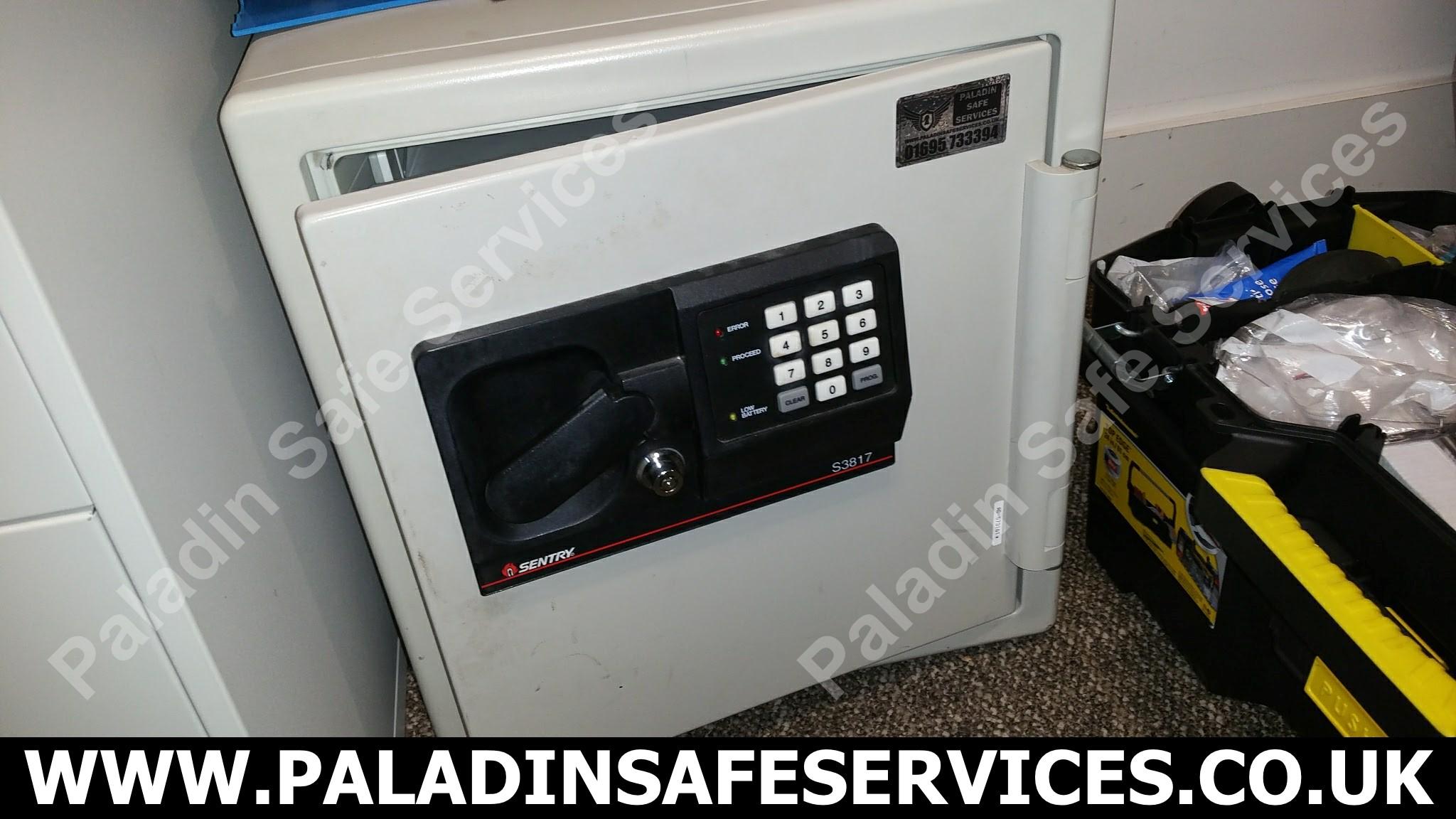 Sentry S3817 Safe