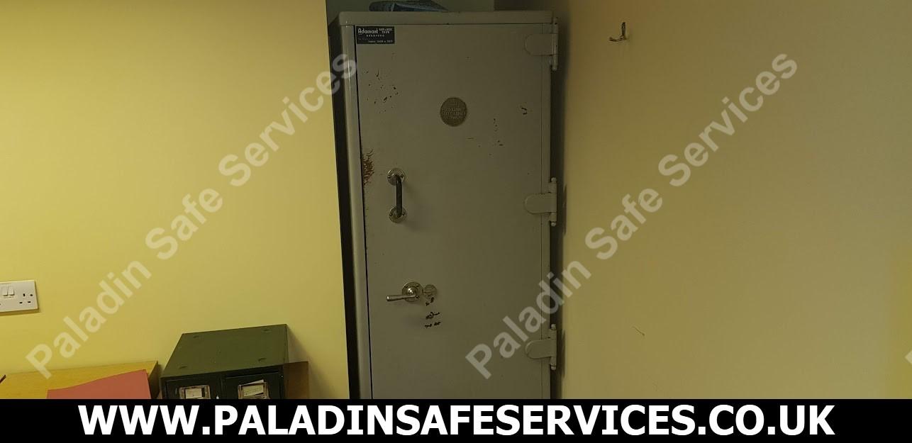Chubb Safe Cabinet Safecracker Bradford